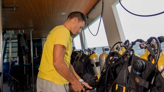 Learn-to-scuba-diving-phuket