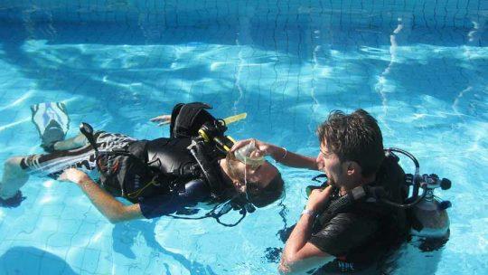 apprendre-sauvetage-en-plongee-phuket