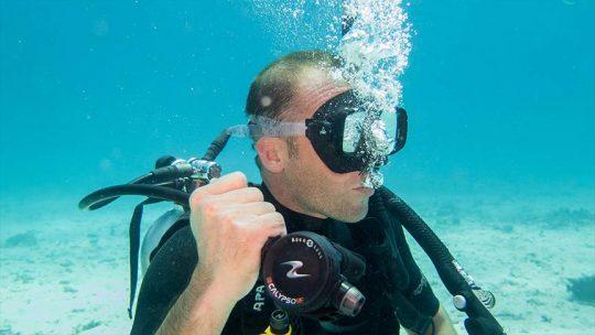 regulator-clearing-diving-phuket-rawai